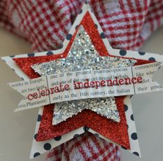 Here's a great 4th of July ensemble from Shantaie Fowler @inkingpink using SRM's 4th of July Express Yourself stickers.
