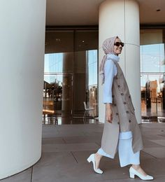 Simple brown prints cotton clothes For Women sleeveless Robe Casual Hijab Outfit, Elegant Outfit, Casual Outfits, Muslim Girls, Muslim Women, Hijab Fashion, Fashion Outfits, Womens Fashion, Linen Tunic