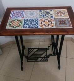 Sewing table repurpose old 47 Ideas – Sewing 2020 Antique Sewing Machine Table, Old Sewing Tables, Vintage Sewing Table, Antique Sewing Machines, Singer Table, Singer Sewing Tables, Mesa Singer, Repurposed Furniture, Painted Furniture