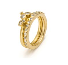The ever popular Fixed bud gold ring combines contemporary and classic. Set with sparkly diamonds, looks great worn with gold eternity ring. Diamond Flower, Diamond Rings, Gold Rings, Contemporary Engagement Rings, Vintage Engagement Rings, Contemporary Jewellery, Eternity Ring, Black Diamond, Beautiful Rings