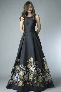 Floral Gown The post Basix Black Label! Floral Gown appeared first on ThealiceOnline. Floral Print Gowns, Printed Gowns, Floral Gown, Vestidos Fashion, Fashion Dresses, Evening Dresses, Prom Dresses, Formal Dresses, Pretty Dresses