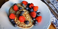 Watch Autumn Calabrese make her cashew and oat hotcakes recipe from the 21 Day Fix EXTREME meal plan. Top with berries and you have one heck of a meal. Healthy Breakfast Recipes, Clean Eating Recipes, Healthy Cooking, Healthy Recipes, Cooking Tips, Healthy Meals, Yummy Recipes, Vegetarian Recipes, Recipies