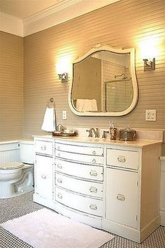 Did they use a Duncan Phyfe credenza for a vanity?  I like the large scale.