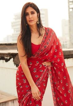 saree styles for farewell classy - saree styles ; saree styles for farewell ; saree styles for farewell teenagers ; saree styles for farewell modern ; saree styles for farewell classy Red Saree, Saree Look, Red Blouse Saree, Cotton Saree Blouse Designs, Purple Saree, White Saree, Blouse Patterns, Anita Dongre, Indian Beauty Saree