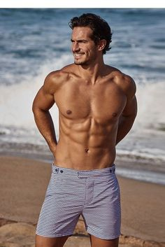 Looking for the best swimming trunks to wear summer Check out the top men's bathing suits for style and comfort during warm weather season. Bathing Suit Shorts, Retro Bathing Suits, Mens Swim Shorts, Outfit Strand, Men's Swimsuits, Poses For Men, Men Beach, Hommes Sexy, Man Swimming