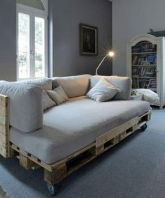 originelles Europaletten Bett selber machen - So geht`s in leichten Schritten!