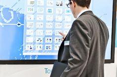 Tώρα νέες διαστάσεις αποκτούν εκδηλώσεις, συνέδρια, εκθέσεις, παρουσιάσεις προϊόντων χάρη στις οθόνες Multi-Touch Screens που πρώτη η Visiontech φέρνει στην Ελλάδα. Products, Gadget