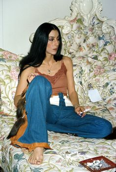 cool I like the long jeans and thin cami because when I think of Oklahomha it windy yet hot because we're thinking of the play being set in the summer medianet_width = medianet_height = medianet_crid = medianet_versionId = (function(). 70s Inspired Fashion, 60s And 70s Fashion, Moda Fashion, Fashion Week, Denim Fashion, Retro Fashion, Vintage Fashion, 1977 Fashion, Seventies Fashion