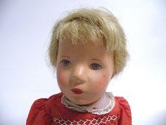 Käthe Kruse Puppe 1959 Guter Originalzustand mit Original Kleidung. Höhe der Puppe im stehen 38,0 cm  $300.00