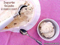 Iogurte gelado de caramelo e cookies