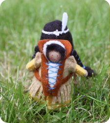 WOLfjes Wereld Eskimo, Native American Dolls, Nature Table, Waldorf Dolls, Dollhouse Dolls, Felt Dolls, Doll Patterns, Needle Felting, Fairies