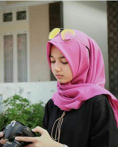 Gallery Hijab Cute and Lovely - Setahunbaru Hijabi Girl, Girl Hijab, Hijab Outfit, Modern Hijab Fashion, Hijab Fashion Inspiration, Beautiful Muslim Women, Beautiful Hijab, Hijab Chic, Muslim Girls