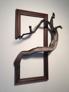 36 Creative and Inspiring Wooden Picture Frame Decorating Ideas - New Deko Sites Picture Frame Decor, Wooden Picture Frames, Wood Frames, Art Frames, Arte Pallet, Driftwood Art, Driftwood Sculpture, Sculpture Art, Abstract Sculpture