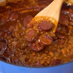 Baked Beans with Smoked Sausage Baked Beans with smoked sausage are super meaty and thick. Lots of sweetness from brown sugar, molasses, and ketchup. - Baked Beans with Smoked Sausage are so meaty. Perfect for potlucks and cookouts Smoked Sausage Recipes, Baked Bean Recipes, Soup Recipes, Dinner Recipes, Cooking Recipes, Healthy Recipes, Recipes With Summer Sausage, Bush Baked Beans Recipe, Bourbon Baked Beans Recipe