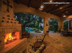 LHM San Antonio - Robert Weiss Estate with Backyard Lounge #LuxuryHomes #Backyards #Patio