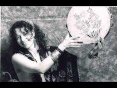 Brenna Maccrimmon - Şemsiyemin Ucu Kare - YouTube