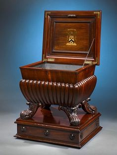 The wine cellarette was considered an essential piece of dining room furniture between the mid-18th to mid-19th centuries.