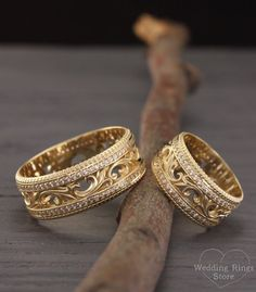 Filigree engagement rings Nature wedding rings Vintage style wedding bands His and her promise ring Matching bands Wedding bands set Filigree engageme. Matching Wedding Rings, Custom Wedding Rings, Wedding Band Sets, Wedding Rings Vintage, Wedding Matches, Vintage Engagement Rings, Diamond Wedding Bands, Vintage Rings, Wedding Men