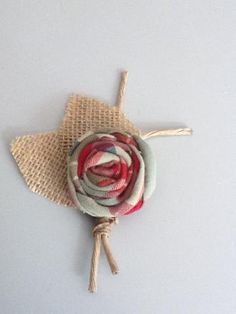 Handmade Rustic, Shabby Chic Boutonniere!    Perfect For:    Country Wedding. Barn Wedding. Outdoor Wedding. Fall Wedding. Rustic Wedding. Shabby Chic Wedding or any theme!    Each boutonniere will vary slightly in size and shape.