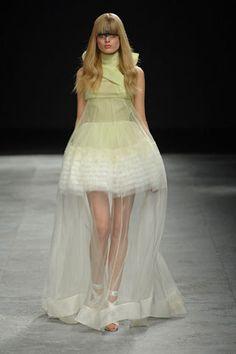 Givenchy Spring 2008 Couture Fashion Show - Mariacarla Boscono