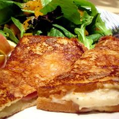 Croque-Monsieur (learned about this sandwich in a Trivia game! Breakfast And Brunch, Breakfast Dishes, Fried Ham, Good Food, Yummy Food, Ham And Cheese, Wrap Sandwiches, Food For Thought, Food And Drink