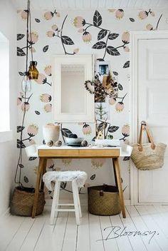 pretty floral wallpaper