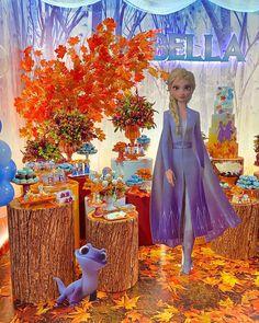 Frozen Themed Birthday Party, 6th Birthday Parties, Birthday Party Favors, 2nd Birthday, Elsa Frozen, Disney Frozen Birthday, Frozen Party Decorations, Birthday Party Decorations, Bubble Guppies Birthday