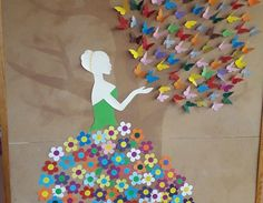 Ozdoba sali – Pani Wiosna z motylkami Diy Quilling Crafts, Easy Paper Crafts, Diy And Crafts, Crafts For Kids, Arts And Crafts, Butterfly Crafts, Flower Crafts, Paper Flowers Craft, School Decorations