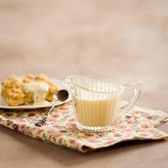 Vaniljakastike Bread, Tableware, Recipes, Countries, Food, Dinnerware, Tablewares, Eten, Recipies