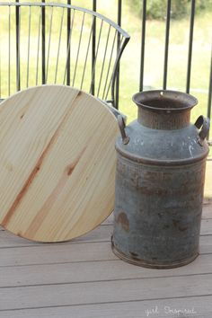 An outdoor side table made from an antique milk can! Antique Milk Can, Vintage Milk Can, Furniture Makeover, Diy Furniture, Homemade Furniture, Furniture Refinishing, Furniture Vintage, Repurposed Furniture, Milk Can Table