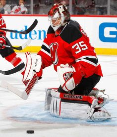 NEWARK, NJ - NOVEMBER 12: Cory Schneider #35 of the New Jersey Devils in action against the Buffalo Sabres at the Prudential Center on November 12, 2016 in Newark, New Jersey. The Devils defeated the Sabres 4-2. (Photo by Jim McIsaac/Getty Images)