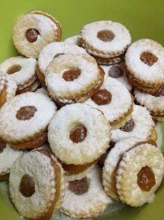A világ legegyszerűbb linzer receptje – Minden ünnepre apró süteménynek Good Food, Yummy Food, Hungarian Recipes, Looks Yummy, Sweet And Salty, Biscotti, Sweet Recipes, Cooking Recipes, Sweets