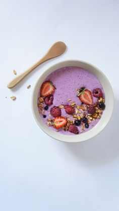Food trends gone good – smoothie bowls Good Smoothies, Food Trends, Smoothie Bowl, Acai Bowl, Food Photography, Breakfast, Recipes, Acai Berry Bowl, Morning Coffee