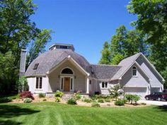 Casa estilo americano con cúpula geodésica | Casasdemaderaymas.com