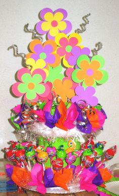 Dime si no es una muy buena!! Bouquete de flores de papel y bombones de dulce #craft #DetallesOnline