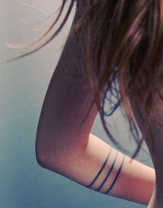 16 Simple Line Tattoo Ideas (8)