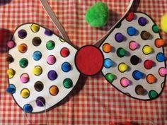 Un arc de clown pour le carnaval - - Basteln Circus Activities, Circus Crafts, Carnival Crafts, Carnival Party Favors, Carnival Birthday Parties, Circus Theme, Circus Party, Valentinstag Special, Theme Carnaval