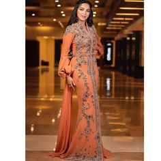 The moroccan beauty ❤️❤️😍😍🇲🇦🇲🇦 ❤️ by Of Nojoom Moroccan Caftan, Kaftan, Sari, Hairstyle, Indian, Formal Dresses, Bridal Veils, Wedding, Middle East
