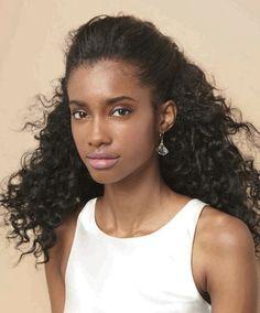 Penteados para cabelos cacheados e crespos: preso frontal