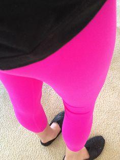 Hot Pink Yoga Style   Lululemon wunder unders