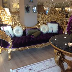 My favourite Contemporary Furniture, Luxury Furniture, Furniture Decor, Furniture Design, Velvet Chaise Lounge, Victorian Living Room, Home Furnishings, Decor Styles, Luxury Homes