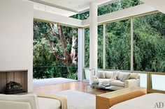 Interiors: LA Home Brings The Outdoors In - Modern Glamour Blog - Sukio