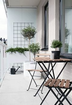 platzsparende Klappmöbel für den kleinen Balkon