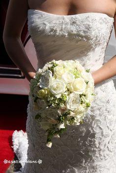 21/11/09 tear-drop bouquet