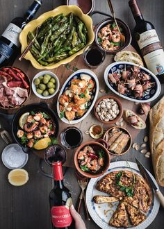 { gluten-free, dairy-free, paleo + options } — saltnpepperhere a dinner party Spanish Tapas Party! Paella Party, Tapas Party, Dinner Party Menu, Tapas Recipes, Italian Recipes, Mexican Food Recipes, Dinner Recipes, Healthy Recipes, Tapas Ideas
