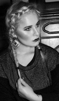 Make Up, Make-Up, Trend, Fall, Autumn, 2015, 2016, Red, Lips, Inspiration, Photography, Fashion, Fotografie, Model, beauty, pose, portrait, velvet, bloody, lips, sexy, braided, hair, hair style, look, glitter, cool, london, berlin, germany, christina key, christina key's blog, freiburg, fashion blog, deutschland, awesome, christina keys blog, photographer, female, girl, woman, hot, world, best, hip, edgy,