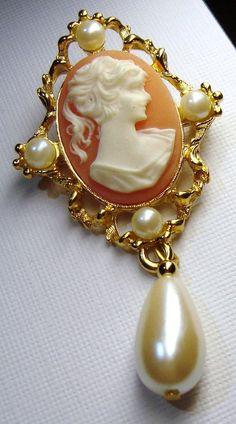 Sarah coventry jewelry 1970