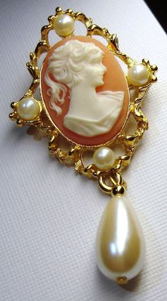 Vintage Jewelry Cameo Pendant Brooch Signed Sarah Coventry Pearl Dangle