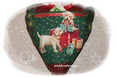 Geldgeschenk Hund - Weihnacht  - Herz rot/grün von Antjes Design auf DaWanda.com