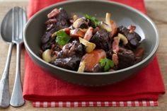 Découvrez cette recette de Boeuf bourguignon traditionnel expliquée par nos chefs